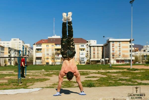 handstand pushups for shoulders